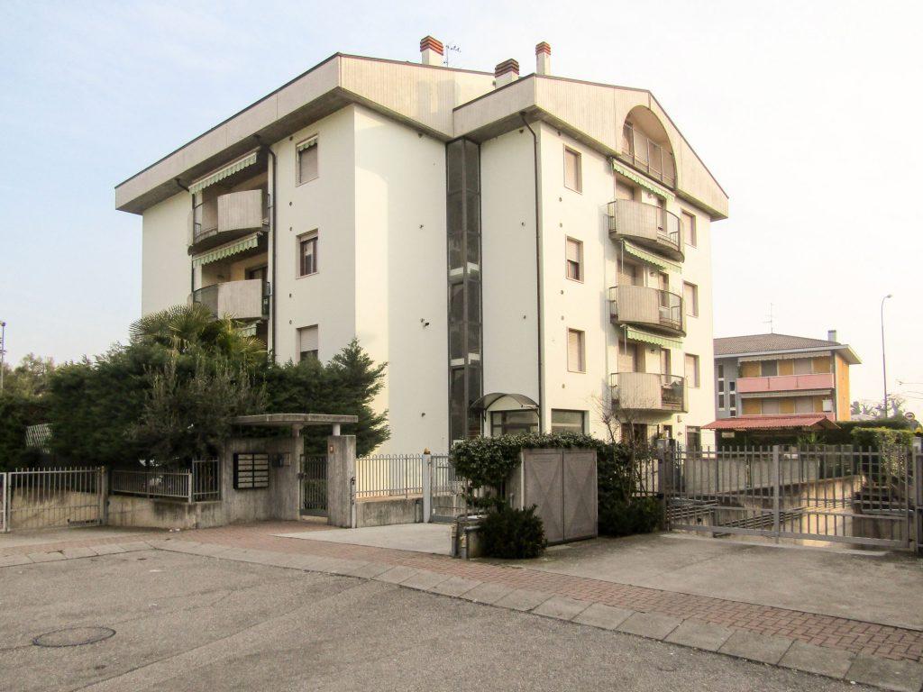 Buttapietra (Costruzione complesso residenziale)