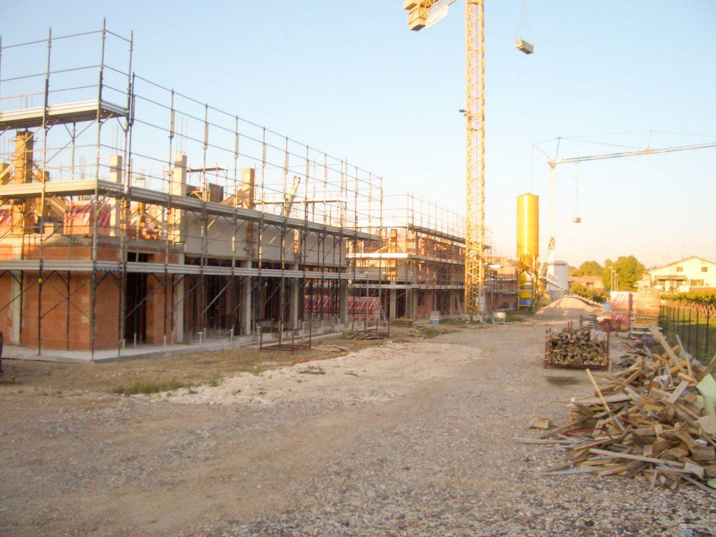 Lavorazione (Pedemonte ristrutturazione villa)